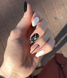 Semi-permanent varnish, false nails, patches: which manicure to choose? - My Nails Cute Acrylic Nails, Gel Nails, Nail Polish, Toenails, Nail Nail, Coffin Nails, Stylish Nails, Trendy Nails, Black Nails