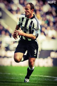 Newcastle United Newcastle Football, Alan Shearer, England Players, Black N White, Football Players, People, Soccer, Army, Sport