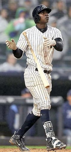 7d76ae0a610 Yankees spell Didi Gregorius  name wrong on bat day promotion