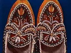 Mi'kmaq moccasins- Canadian first nations embroidered mocasins with tulip design