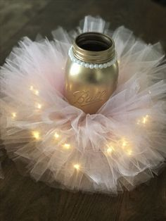 Pink and gold Tutu mason jars with fairy lights for a girls birthday party! - Party At Your Door - Pink and gold Tutu mason jars with fairy lights for a girls birthday party! Pink and gold Tutu mason jars with fairy lights for a girls birthday party! Pink And Gold Birthday Party, Ballerina Birthday Parties, Baby Birthday, Birthday Ideas, Pink Gold Party, Birthday Door, Ballerina Party, Golden Birthday, Ballerina Baby Showers