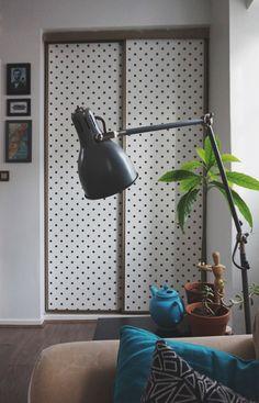 Papier peint d corer des portes de placard chambre pinterest portes de placard porte for Papier peint de porte