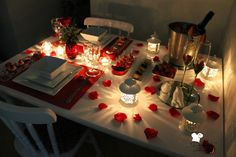 24 Ideas Birthday Presents For Girlfriend Couple Anniversaries For 2019 Romantic Room Surprise, Romantic Night, Romantic Dates, Romantic Gifts, Romantic Birthday, Happy Birthday, Romantic Dinner Tables, Romantic Dinners, Romantic Dinner Setting