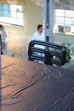 CHUBBY CHAIR zwart bij ELEPHANT SKIN TABLE zwart van Studio Dirk van der Kooij tijdens openingsfeest nieuwe studio. http://www.gimmii.nl/ontwerper/dirk-vander-kooij/ Foto Gimmii, Corien Juffer #dutchdesign