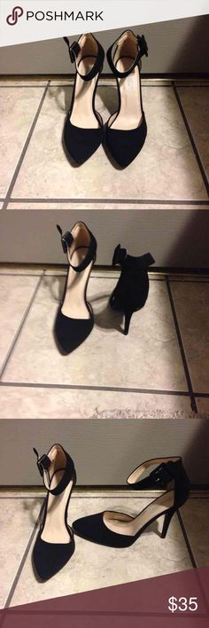 Matte Pointed Stilettos If you look at my baseball jersey that I'm selling you'll see the shoes being worn! Only worn these like 5 times at max. Beautiful shoes!  PRICE IS FIRM!!! -Eboni Shoes Heels