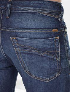ZAMAC ACCESSORIES His Jeans, Denim Jeans Men, Jeans Pants, Mode Masculine, Types Of Jeans, Diesel Jeans, Perfect Jeans, Denim Fashion, Jeans Style