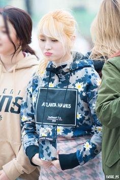 FY! TWICE Nayeon, Kpop Girl Groups, Korean Girl Groups, Kpop Girls, Extended Play, Twice Korean, Dahyun, Hirai Momo, South Korean Girls