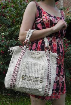Weaving, Pouch, Tote Bags, Clothes, Fashion, Yarns, Crochet Bags, Fabrics, Knit Bag