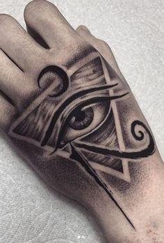 Egyptian Queen Tattoos, Egyptian Tattoo Sleeve, Eye Of Ra Tattoo, Evil Eye Tattoos, Cruces Tattoo, Sanskrit Tattoo, Hamsa Tattoo, Herren Hand Tattoos, African Tattoo