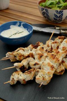 Ponto de Rebuçado Receitas: Espetadas de frango com molho de iogurte e alho frito