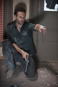 The Walking Dead - Season 2 - Episode 9 - Photo by Gene Page/AMC.  Andrew Lincoln