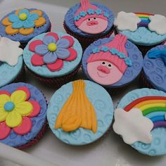 Festa Trolls  #festatrolls #bolotrolls #cupcakestrolls #docestrolls #trollscake #maesdeprimeiraviagem #maesdemenina #inspiresuafesta #encontrandoideias #ideiascriativas #morumbi #alphavilleearredores #dcsimonebolos #osasco