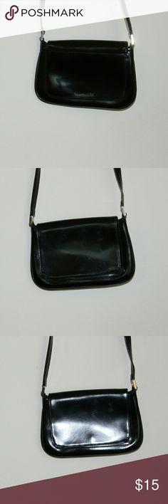 Liz claiborne satchel Liz claiborne crossbody satchel, black , great condition, like new ,never been used. Liz Claiborne Bags Crossbody Bags