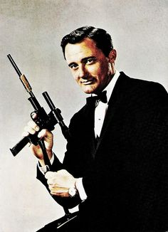 https://flic.kr/p/P52Tbb | Robert Vaughn (1932-2016) | American postcard by C.G. Williams Ltd, Maidstone, Kent, no. U 1 U.C.L.E. agent Napoleon Solo. Publicity still for The Man from U.N.C.L.E (1964-1968).  American actor Robert Vaughn died yesterday after a brief battle with acute leukemia. Vaughn's elegant, dark-haired Napoleon Solo on the Spy series The Man from U.N.C.L.E (1964-1968) was television's answer to James Bond. Together with his partner in the series, David McCallum as blond…