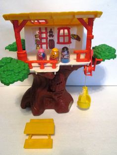 Weebles Winnie the Pooh Hunny Treehouse 1970s by Hasbro