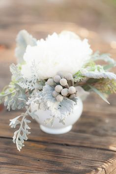 Okay, so Florida may not have the type of winters we have up here in New England, but that doesn't mean that you can't have gorgeous winter inspired weddings. And if you're on board with a romantic winter wedding filled with pretty whites and pale shades of blue, then you're going to loveKristina Grimm Photography's […]