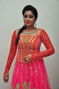 Beautiful Girl Indian, Most Beautiful Indian Actress, Beautiful Saree, Indian Girl Bikini, Indian Girls, Cinema Reviews, Shamna Kasim, Amala Paul Hot, Indian Bridal Outfits
