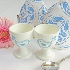 Oiseau egg cup and cosy set op Etsy, 21,65 €