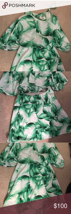 Show me your mumu palm dress Palm dress worn once-  just not my style :( Show Me Your MuMu Dresses