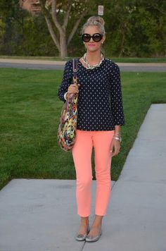 Best Tips On How to Wear Capri Pants if You are Short Height - Cropped - Ideas of Cropped - YES polka dot top and colorful capris! The capri color is a little too pastel-y for me but this outfit is very much up my alley. Capri Outfits, Casual Outfits, Fashion Outfits, Womens Fashion, Work Outfits, Stitch Fix Outfits, Outfit Trends, Work Attire, Mode Style