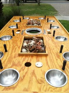 Ideas for seafood table wedding fun Crawfish Party, Seafood Boil Party, Crawfish King, Shucking Oysters, Low Country Boil, Bbq Table, Folly Beach, Outdoor Cooking, Outdoor Kitchens