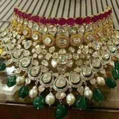 Latest Collection of best Indian Jewellery Designs. India Jewelry, Ethnic Jewelry, Gold Jewelry, Statement Jewelry, Jewelry Sets, Bollywood Jewelry, Neck Piece, Jewelry Collection, Bridal Collection