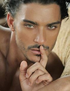 MALE`S PHOTO`S: THE HANDSOME MALE MODEL - PEDRO PERESTRELLO. Love the eyes... CTH
