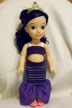So how many of you have little girls (or granddaughters) who own those Tolly Tot Princess Toddler dolls? Over here, my little girl has FOUR of them. All acquired in the past three months. I hear...