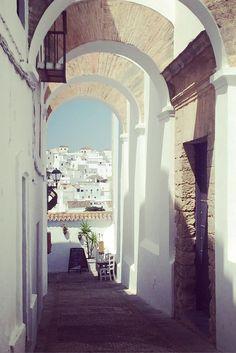 Vejer de la Frontera Roadtrip, Table Decorations, Furniture, Home Decor, Andalusia, Decoration Home, Room Decor, Home Furnishings, Arredamento