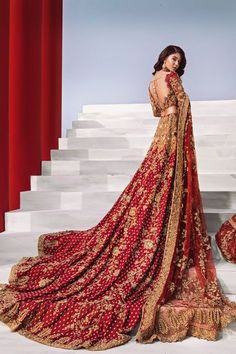 40 ideas for indian bridal wear red saris Indian Bridal Outfits, Indian Bridal Wear, Pakistani Wedding Dresses, Indian Dresses, Wedding Lehnga, Pakistani Outfits, Asian Wedding Dress, Red Wedding Dresses, Designer Bridal Lehenga