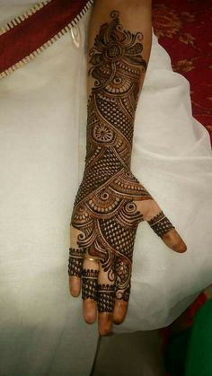 Are you looking for some fascinating design for mehndi? Or need a tutorial to become a perfect mehndi artist? Latest Bridal Mehndi Designs, Full Hand Mehndi Designs, Mehndi Designs For Girls, Mehndi Designs For Beginners, Modern Mehndi Designs, Mehndi Design Pictures, Wedding Mehndi Designs, Mehndi Designs For Fingers, Beautiful Mehndi Design