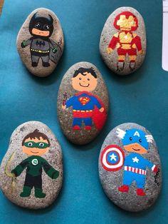 Pebble Painting, Pebble Art, Stone Painting, Rock Painting Ideas Easy, Rock Painting Designs, Stone Crafts, Rock Crafts, Superman Crafts, Painted Rocks Craft