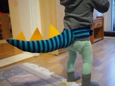 Dinoschwanz, Drachenschwanz, Schwanz Drache, Dino, Dinosaurier Dinosaur Costume, Third Birthday, Diy Costumes, Cool Things To Make, Fun Things, Projects For Kids, Happy Halloween, Party Themes, Party Ideas