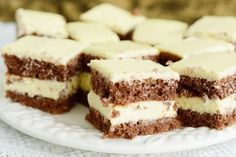 Desfata-i iubitului tau papilele gustative… Best Pastry Recipe, Pastry Recipes, Cookie Recipes, Dessert Recipes, Romanian Desserts, Apple Recipes Easy, Sweet Tarts, Healthy Cookies, Food Cakes