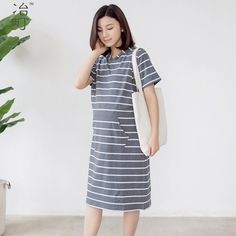 Bulk wholesale white stripe maternity knee-length hoodie dress