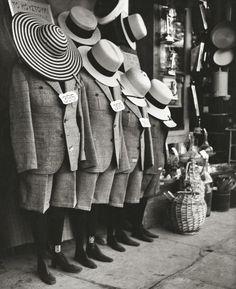 Herbert List: Athens, 1937 History Of Photography, Modern Photography, Vintage Photography, Black And White Photography, Street Photography, People Photography, Herbert List, Martin Munkacsi, Gordon Parks