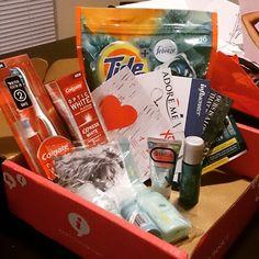 My #XoVoxBox!!  I received Tide Pods with febreze, SkinFix Repair cream,Colgate Optic White toothbrush with built -in Whitening Pen, Colgate Optic White Express White 3 oz toothpaste, John Freida Luxurious Volume 7 Day Volume in-Shower Treatment, John Freida BeachBlonde Collection #TidePods #SkinFix #brilliantsmile#LoveMyJohnFreida#influenster