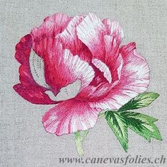 Crewel Embroidery - Long & Short as Soft Shading in Colors - Embroidery Patterns Floral Embroidery Patterns, Embroidery Bags, Learn Embroidery, Hand Embroidery Stitches, Crewel Embroidery, Embroidery Techniques, Embroidered Flowers, Beaded Embroidery, Embroidery Designs