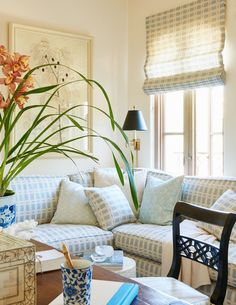 35 Beautiful Coastal Living Room Decor Ideas Best For This Summer - Coastal style is increasingly becoming more popular than ever because of its versatility. It also has a casual savoir faire feel that will delight hom. Coastal Living Rooms, Living Room Sets, Home Living Room, Apartment Living, Living Room Decor, Living Spaces, Cozy Apartment, Coastal Cottage, Coastal Homes