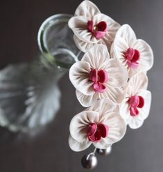 Kanzashi Flowers, Felt Flowers, Diy Flowers, Fabric Flowers, Diy Craft Projects, Diy Crafts, Huda Beauty Makeup, Japanese Flowers, Making Hair Bows