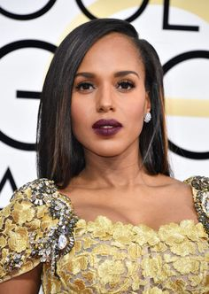 Kerry Washington in a dark bold lip on the red carpet.