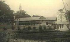 Eén van de kampen voor Duitse vrouwen en kinderen: Grand Hotel Sindanglaja. 1941