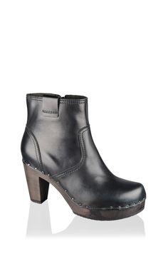 Fara, Crust softy, schwarz #softclox #fall #fallshoes #autumn #munich #muc #softy #woddensole #wood #leather #shoes #clogs #darksole #fallfavorites