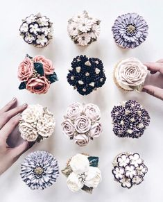 "Gefällt 39.4 Tsd. Mal, 410 Kommentare - Li-Chi Pan ☁️ (@lichipan) auf Instagram: ""That's too much sugar, said no one ever...  Floral cupcake goals """