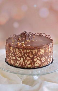 Maxi King, Bee Cakes, Tiramisu Cake, Mousse Cake, Nigella, Sweet Life, Coffee Cake, Cake Designs, Fondant
