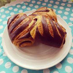 Pains au chocolat de Bérénice Leconte, créatrice de VG pâtisserie, la 1ère pâtisserie vegan et sans gluten à Paris ! http://www.sweetandsour.fr