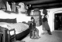 Falusi szoba a múlt század elején Central Europe, Budapest Hungary, Retro Vintage, The Past, Old Things, Relax, 1, History, Travel