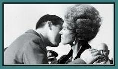 Λόλα, να ένα άλλο: Φρειδερίκη : Μια βασίλισσα «Φρίκη» και ένα από τα πιο μισητά πρόσωπα της ελληνικής Ιστορίας ! Casa Real, Che Guevara, Politics, Blog, Greece, Blogging