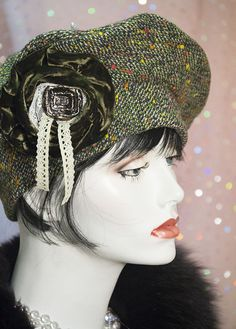 1940s VINTAGE INSPIRED BERET  HAT   GAS MASK BAG GREEN FLECK TWEED WOOL dac03dc3dfef