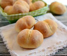 Domowe pieczywo nie ma sobie równych. Te bułeczki są nie tylko pyszne, ale także bardziej pożywne niż te sklepowe. Bread Rolls, Hamburger, Food And Drink, Dream Homes, Garden, Recipies, Garten, Rolls, Buns